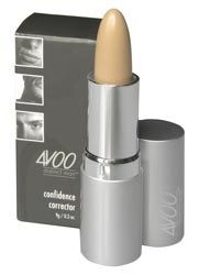 4VOO Confidence corrector concealer to hide unwanted blemishes